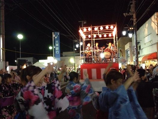 2014年8月11日に開催された「浪江町の盆踊り」 場所/二本松本町通り大東銀行付近路上